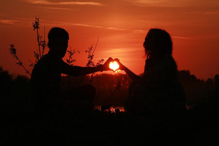 ζευγάρι, Αγάπη, ηλιοβασίλεμα, νερό, Ήλιος, σκιά, Ρομαντικές αποδράσεις
