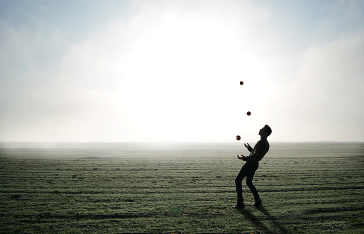 жонглер, трюк, яблуко, людина, людина, туман, горизонт