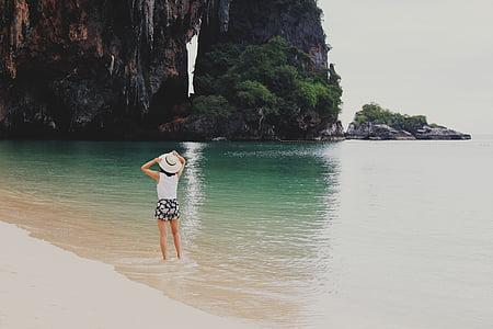 gens, femme, chapeau, océan, mer, plage, sable