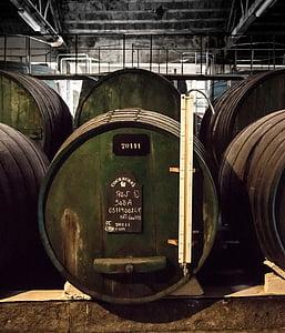 vin, tonneau de vin, vin de Porto, Cave, sombre, tonneaux en bois, conservation du vin