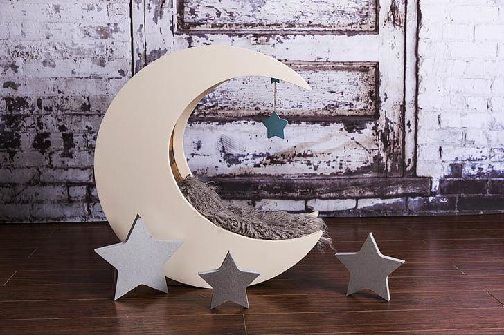 Lluna, llit, estrelles, anar a dormir, nit, son, somni