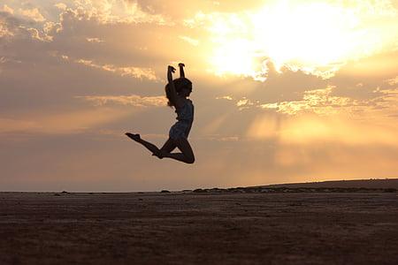 Kapp verde, stranden, solnedgang, på kvelden, dans, hoppe, danser