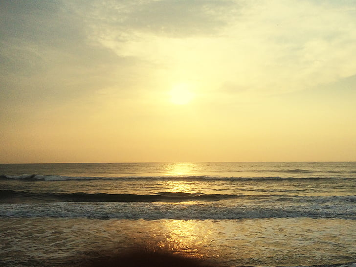 havet på kvällen, fotografi som togs under sunrise, morgon