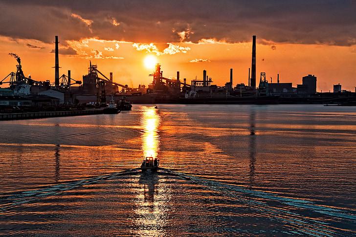 Sunset, Japan, skib