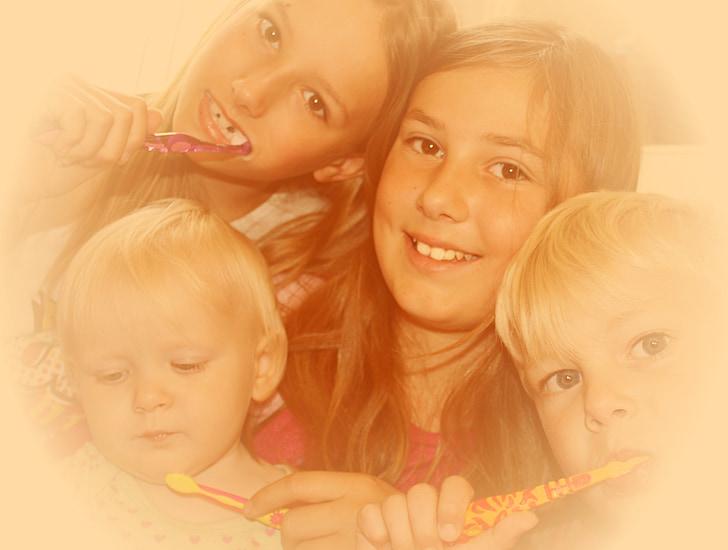 copii, dinte, curat, Sanatate dentara, stomatologie, atractive, primul dinte