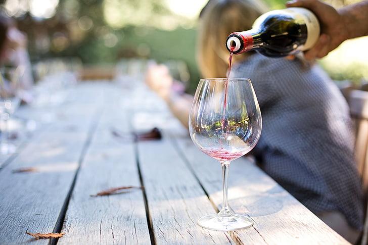 налива вино, вино страна, Напа, вино турне, дегустация на вино, налива, стъкло