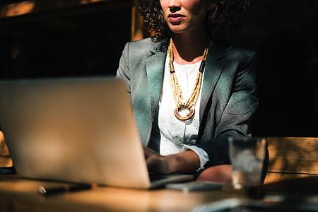 cilvēki, sieviete, sēde, uzņēmējdarbības, biroja, klēpjdators, dators