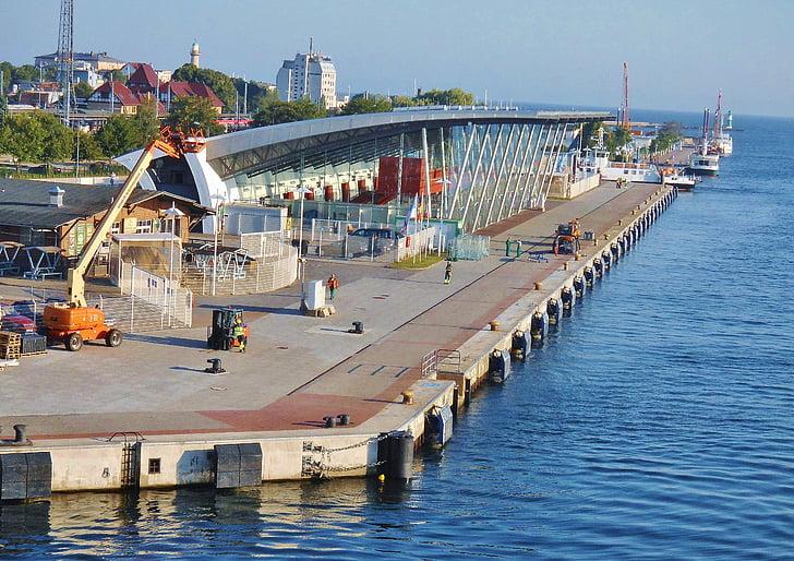 Warnemünde, hamn, kreuzfahrerkai, Aida, turism, Östersjön