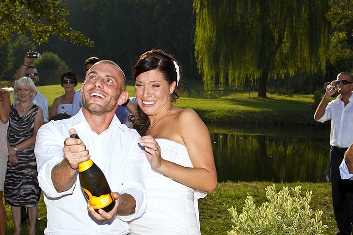 feast, formal wear, cheerfulness, festivity, wine, sparkling wine, romance
