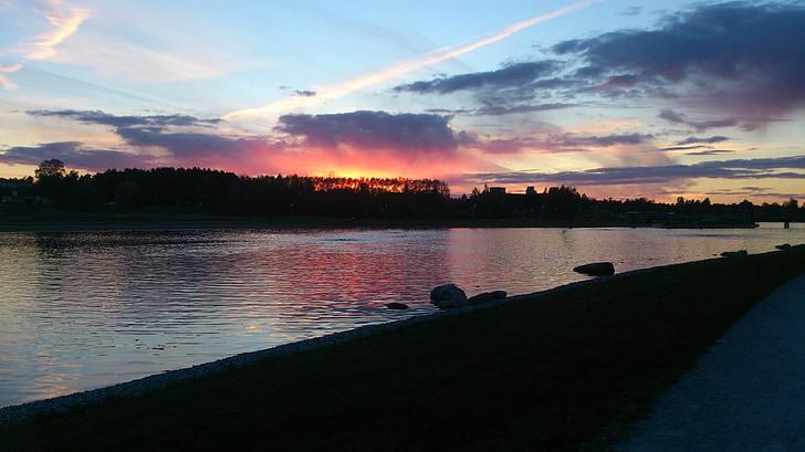 Kumla sjöpark, Suècia, natura, l'aigua, Llac, posta de sol, bellament