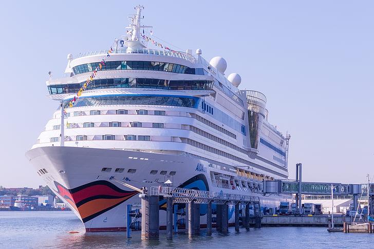AIDAluna, Warnemünde, Tyskland, kryssning, fartyg, kryssningsfartyg, ship reser