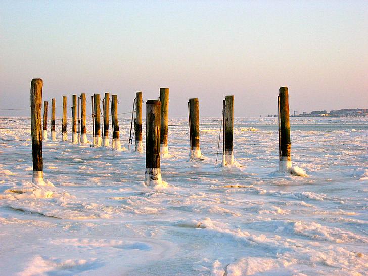 pozimi, sneg, zimsko razpoloženje