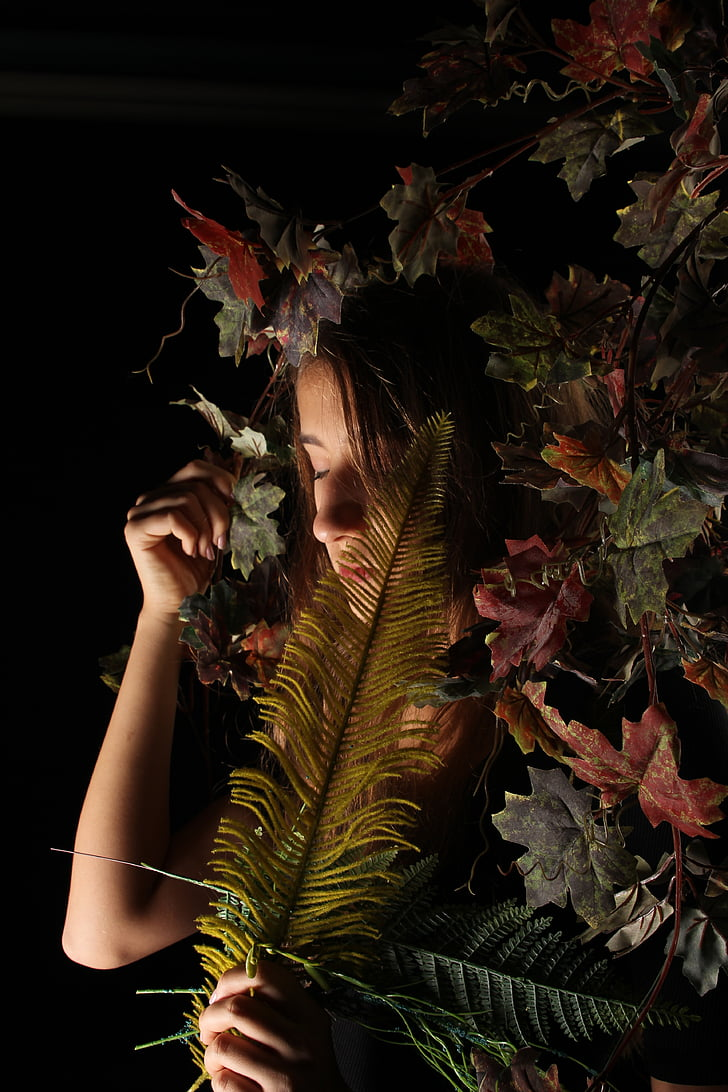 mergaitė, tamsus, veido, augalų, juodame fone, Marihuana - džiovintų kanapių, studija kulka