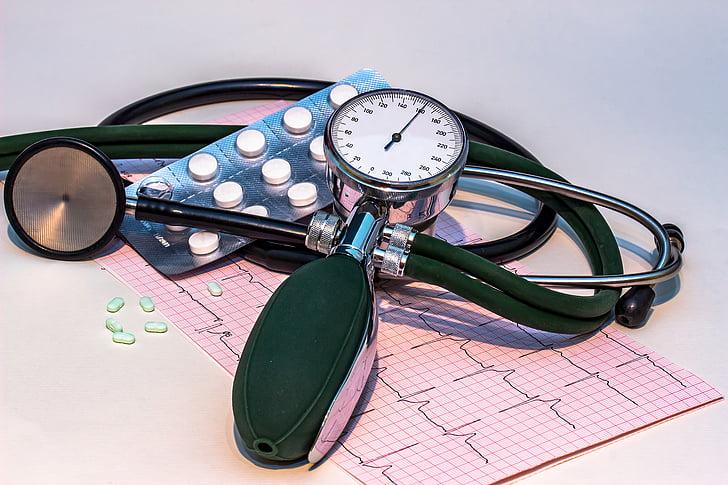 monitor de pressió arterial, hipertensió arterial, estetoscopi, ECG, electrocardiograma, freqüència, corba
