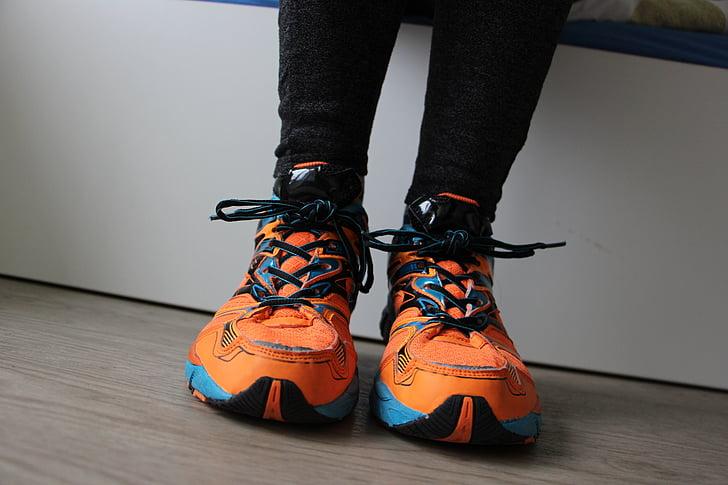 kurpes, skrējiens, čības, sportisks, sporta apavi
