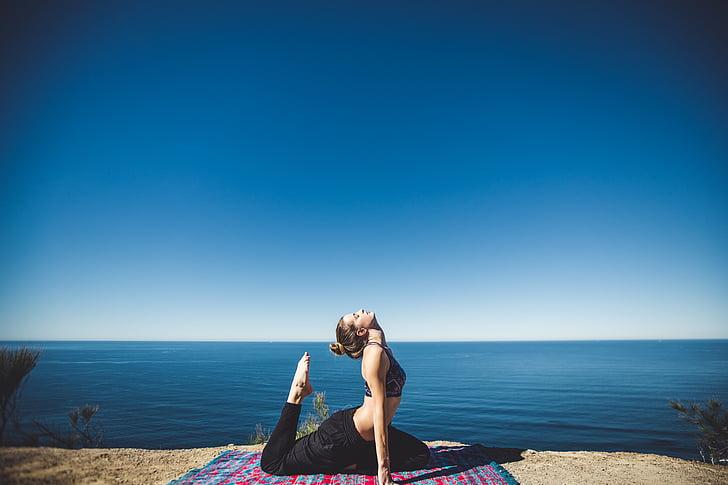 sieviete, joga, netālu no, organizācija, ūdens, fitnesa, uzdevums