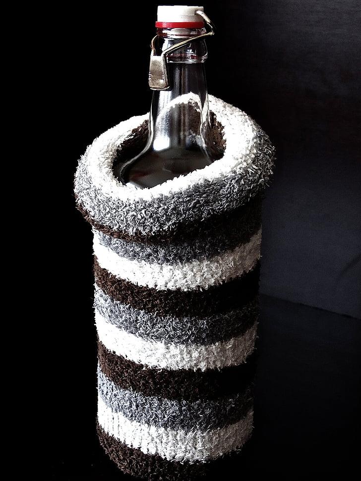 pudele, siltuma pudeli, sasilšanas, būtu siltāk, izolēt, auksti, vilnas zeķes