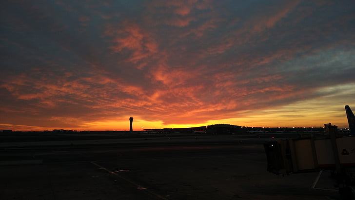 Alba, l'aeroport, concepció artística