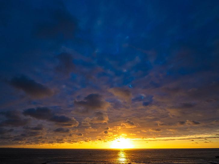 ηλιοβασίλεμα, στη θάλασσα, abendstimmung, Δύση του ήλιου, σύννεφα, παραλία, μεταλαμπή