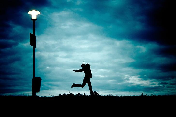 Cô bé, Vào ban đêm, chạy, đám mây, Silhouette, Dom, đám mây