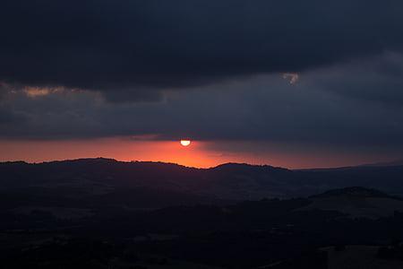 západ slnka, dosvit, večernej oblohe, oblaky, Twilight, Príroda, Toskánsko