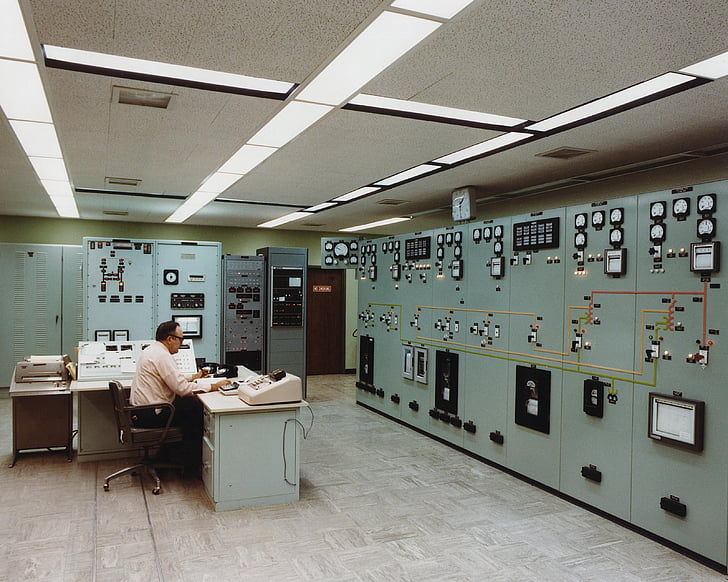 control room, electrical substation, energy, technology, technical, professional, white collar