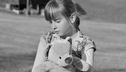 dziecko, Dziewczyna, Miś, smutny, zadumany