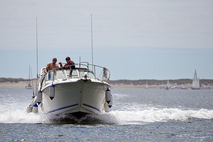 Power boat, nagy sebességű, íj hullám, spray, az emberek, fehér, szabadidő