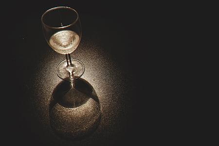 Xem cận cảnh, đồ uống, rượu vang thủy tinh, nền đen, không có người, cận cảnh, trong nhà