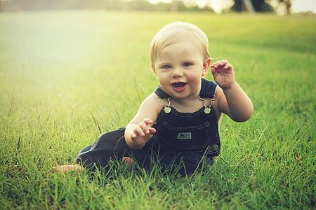 nadó, noi, somrient, nen, educació infantil, feliç, valent