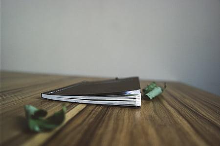 màu đen, Notepad, máy tính xách tay, mờ, gỗ, Bàn, lá