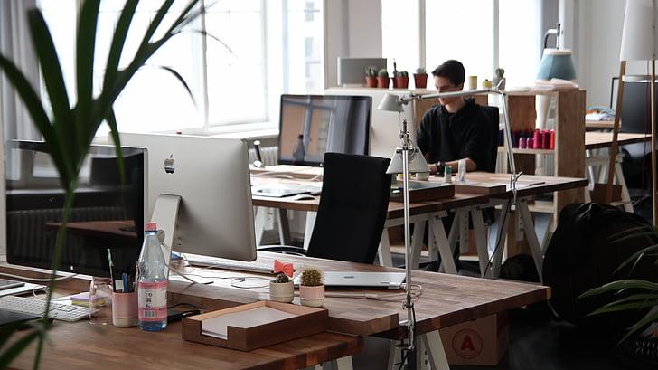 cilvēki, vīrietis, biroja, darba, dators, rakstāmgalds, tabula