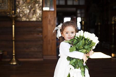 Tüdruk, Kaunis, lilled, kimp Amarylistega, ristimise sakramendi, Holiday, Õigeusk