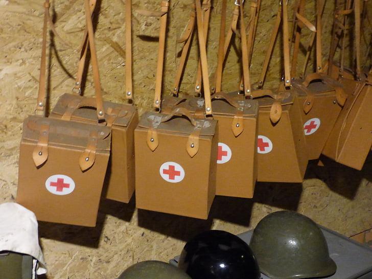 ajuda, farmaciola de primers auxilis, refugi, búnquer, la guerra, l'exèrcit, tractament