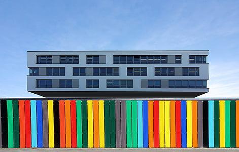 edificio de oficinas, cerca de, fachada, edificio, arquitectura, arquitectura moderna, ventana