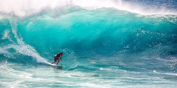 surf, grans onades, velocitat, l'oceà Índic, Ombak tujuh Costa, l'illa de Java, accés a Internet