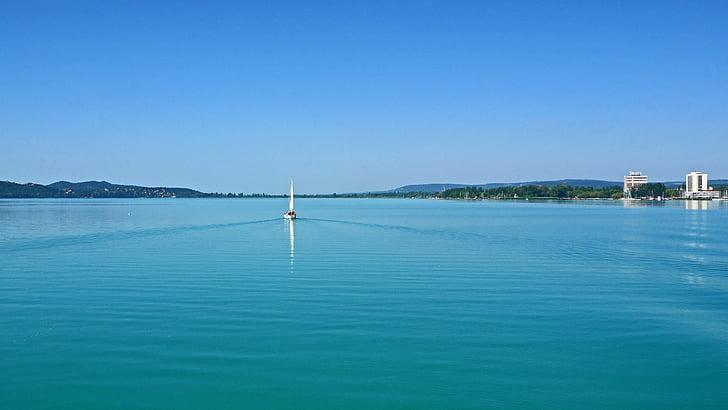 balaton-järven, Etelä 5 mph, purjevene, tasainen veden pintaa