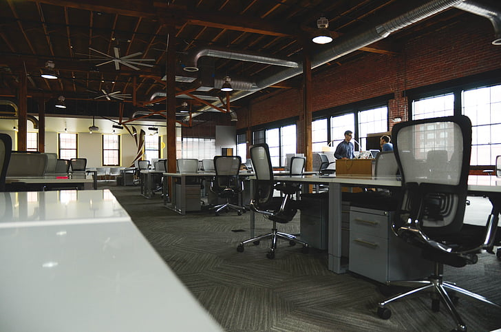 biroja, starta, tabulas, krēsli, istabu, izglītība, darba vieta