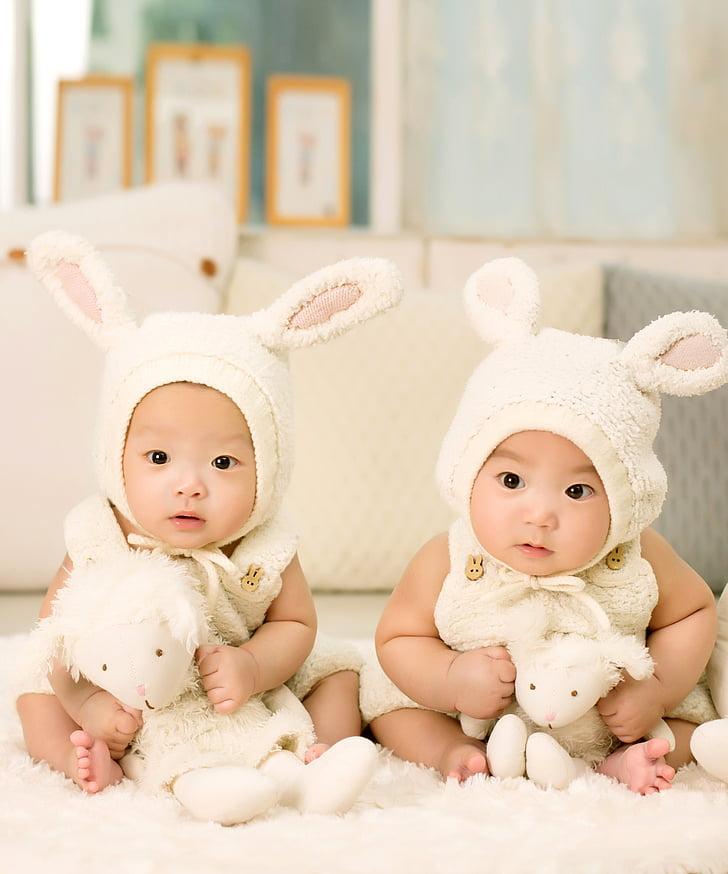 bērnu, dvīņi, brālis un māsa, simt dienas, bērnu, piemīlīgs, mazs