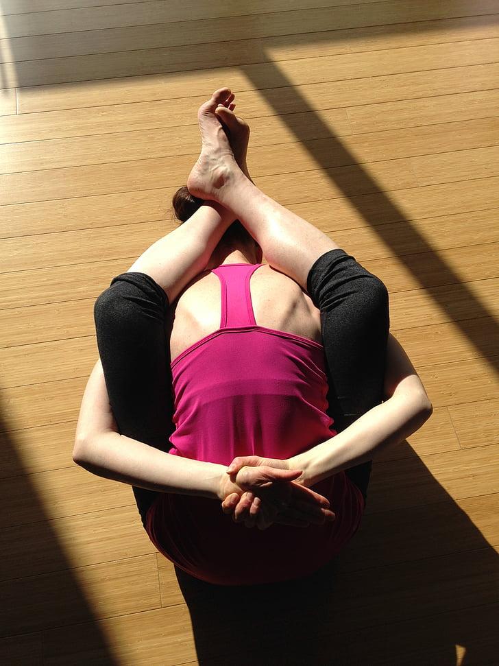 Yoga, flexibilité, santé, femelle, femme d'yoga, cours d'yoga, pose d'yoga
