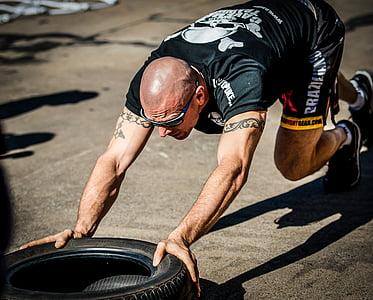 riepu rācijsaziņas, riepu treniņa, apmācības, trenažieru zāle, hardcore, funkcionālas apmācību, riepa