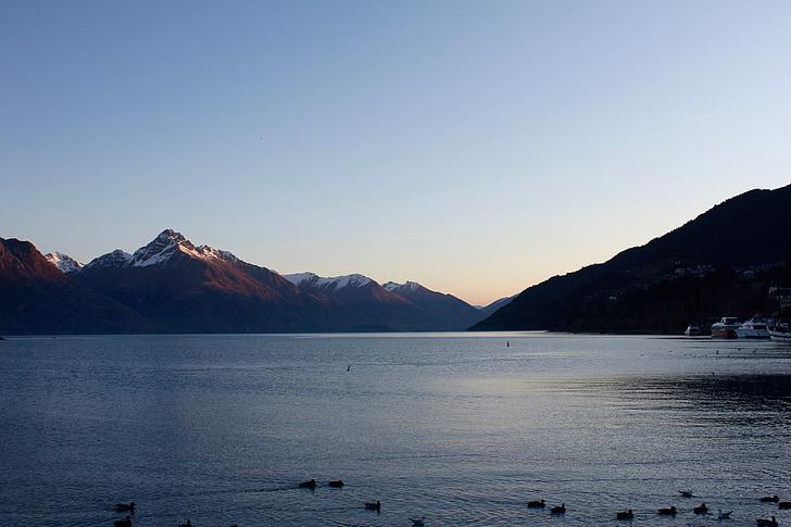 Llac de muntanya, muntanyes de posta de sol, Llac, l'aigua, paisatge, muntanya, paisatge