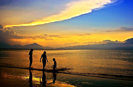siluett, kolm, isiku, merevee, hägune, taevas, kuldne