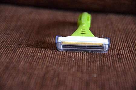 se raser, rasoir, lame de rasoir, rasage, machine, le rasoir, Coupe