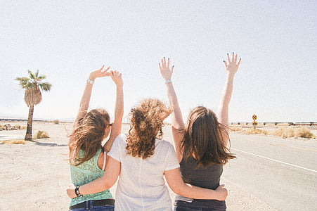 girlfriend, desert, heat, fun, america, friends, best friends