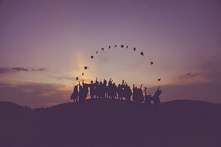 silueta, oameni, aruncarea, începerea, capace, apus de soare, absolvent