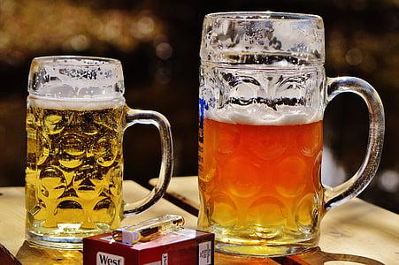 bier, biertuin, Mok, sigaretten, lichter, dorst, glazen mok