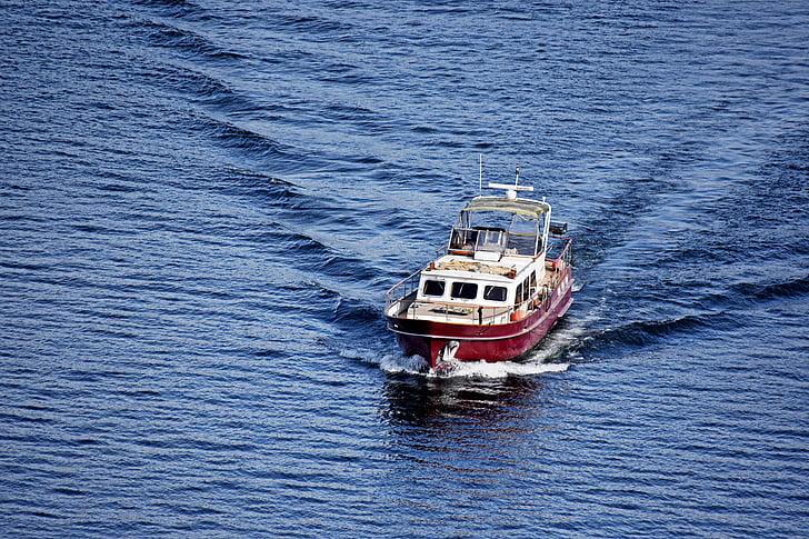 Brodovi i čamci - Page 36 Boat-lake-water-blue-preview
