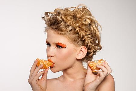 dona, Retrat, maquillatge, model de, fruita, mandarina, moda