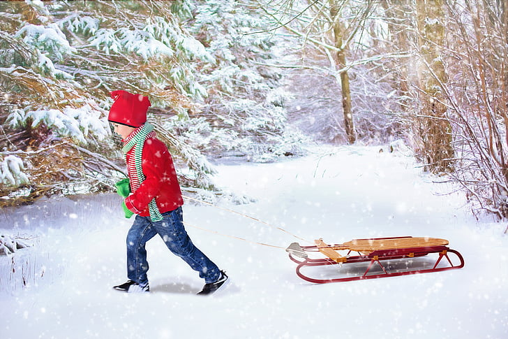 Bebe i deca - Page 19 Winter-background-christmas-background-sled-young-boy-preview